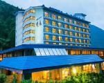 奥飛騨ガーデンホテル焼岳に割引で泊まれる。